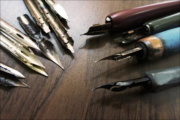 14Oct05_Pen_Nibs_Tools